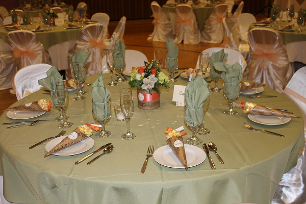 Sage & Peach Wedding Table